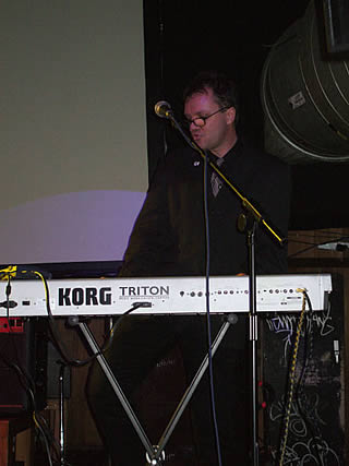 Autons live at Dandelion night, Cargo, Shoreditch - 6/2/07